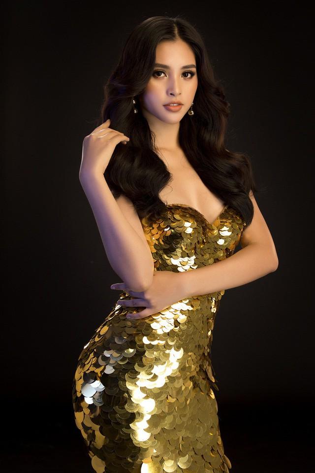 Hoa hậu Mỹ Linh, Tiểu Vy đọ dáng khoe vẻ đẹp một 9 một 10 - Ảnh 10.