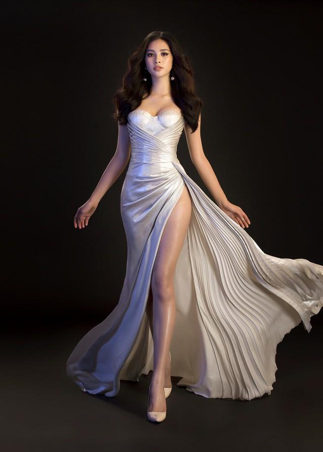 Hoa hậu Mỹ Linh, Tiểu Vy đọ dáng khoe vẻ đẹp một 9 một 10 - Ảnh 2.