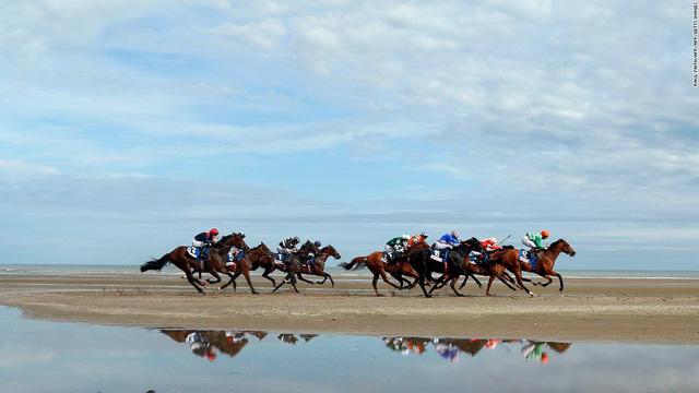 Top 10 trường đua ngựa đẹp nhất thế giới - Ảnh 8.