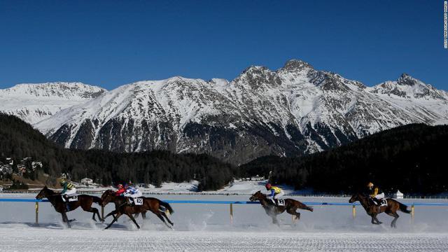 Top 10 trường đua ngựa đẹp nhất thế giới - Ảnh 2.