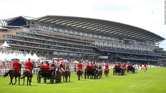 Top 10 trường đua ngựa đẹp nhất thế giới - Ảnh 6.