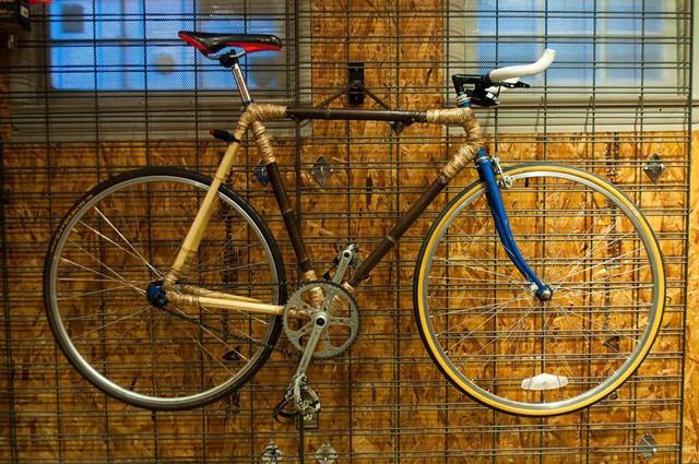 Độc đáo xe đạp làm từ tre thân thiện với môi trường - Ảnh 4.