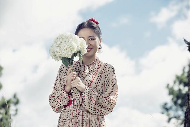Văn Mai Hương hóa cô dâu đau khổ trong MV mới - ảnh 2