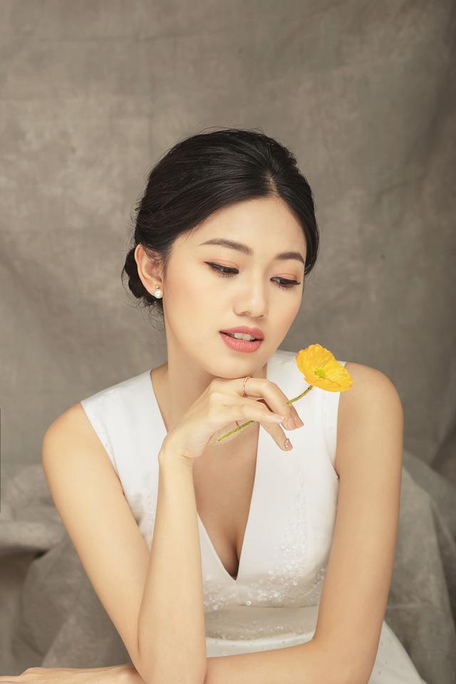 Á hậu Thanh Tú tung ảnh cưới hậu kết hôn với chồng đại gia - Ảnh 3.