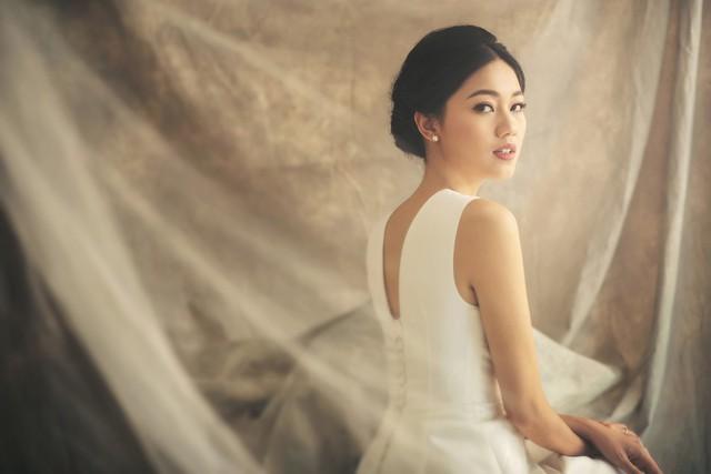 Á hậu Thanh Tú tung ảnh cưới hậu kết hôn với chồng đại gia - Ảnh 9.