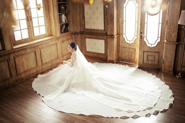 Á hậu Thanh Tú tung ảnh cưới hậu kết hôn với chồng đại gia - Ảnh 6.