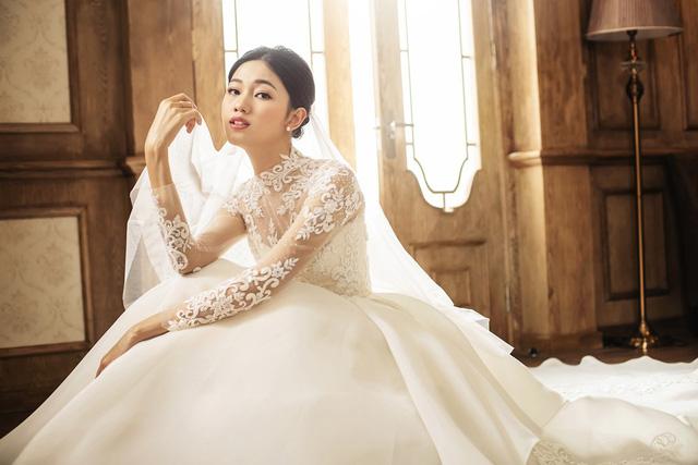 Á hậu Thanh Tú tung ảnh cưới hậu kết hôn với chồng đại gia - Ảnh 5.