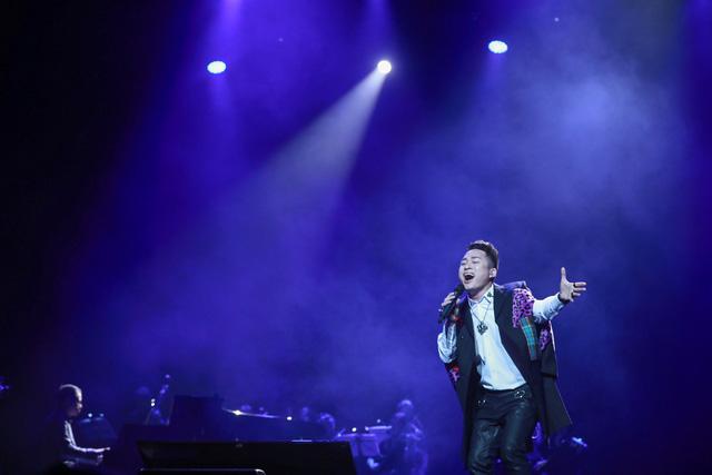 Những khoảnh khắc lắng đọng trong Live concert Đánh thức tầm xuân của nhạc sĩ Dương Thụ tại Hà Nội - Ảnh 2.