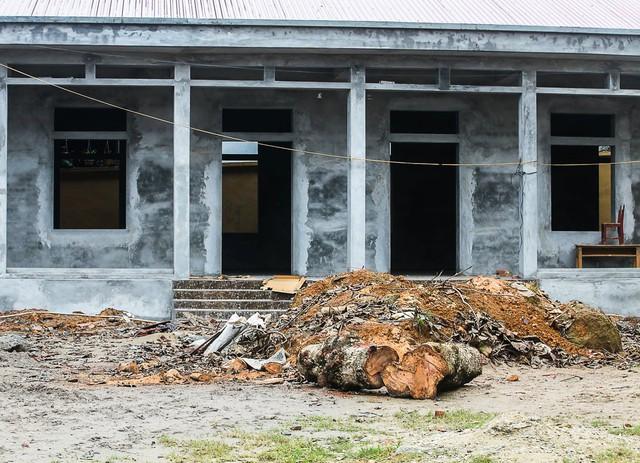 Sinh viên trường Báo mang hơi ấm thiện nguyện đến tỉnh Hòa Bình - Ảnh 4.