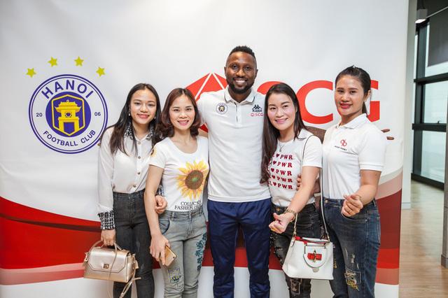 CLB Hà Nội gặp gỡ giao lưu người hâm mộ Việt Nam tại Bangkok (Thái Lan) - Ảnh 5.