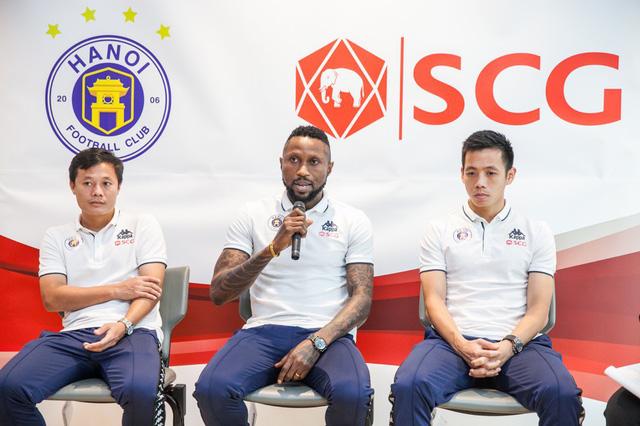 CLB Hà Nội gặp gỡ giao lưu người hâm mộ Việt Nam tại Bangkok (Thái Lan) - Ảnh 6.