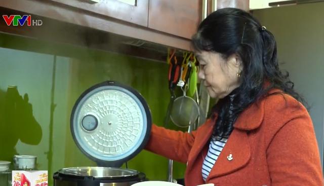 Nghiên cứu chất lượng sản phẩm cơm gạo nấu từ nồi cơm tách đường - Ảnh 1.
