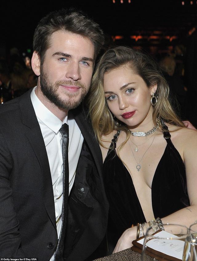 """Liam Hemsworth: """"Vẫn yêu Miley Cyrus như ngày đầu tiên"""" - Ảnh 1."""