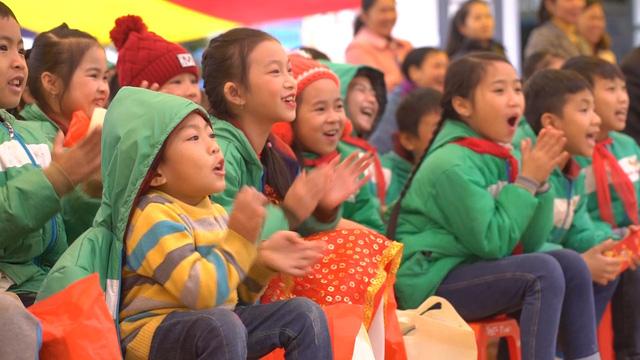 Cùng em đến trường: Mang mùa xuân về với học sinh vùng cao tỉnh Cao Bằng - Ảnh 1.