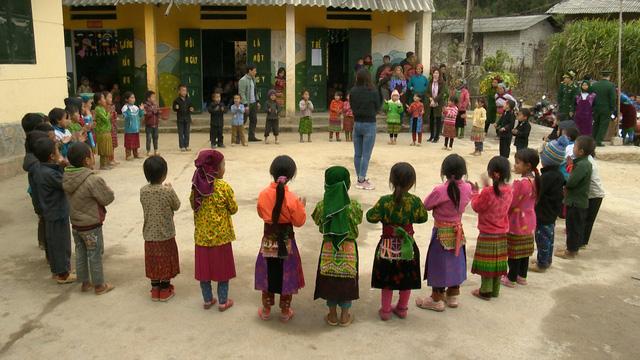 Quỹ Tấm lòng Việt mang Tết sớm đến với học sinh trường PT Dân tộc bán trú Tiểu học xã Lũng Cú - Ảnh 5.