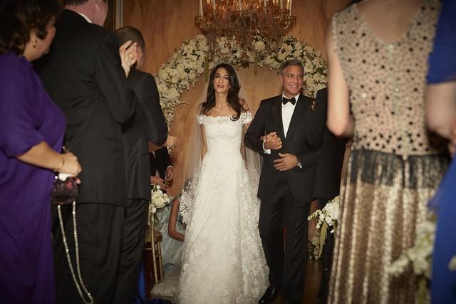 Nhìn lại chuyện tình của cặp đôi quyền lực George Clooney và Amal sau tin đồn rạn nứt - Ảnh 2.