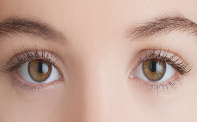 Bí kíp đơn giản xóa nếp nhăn vùng mắt - Ảnh 3.