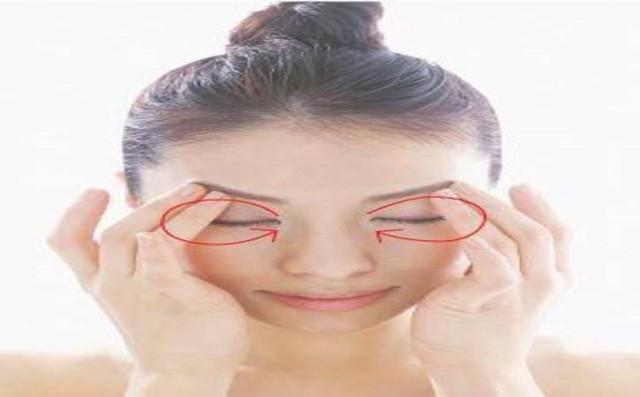 Bí kíp đơn giản xóa nếp nhăn vùng mắt - Ảnh 4.