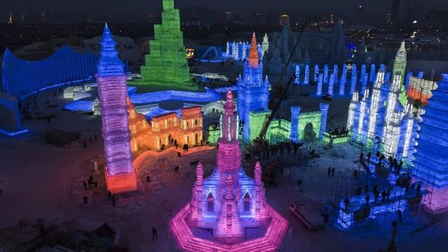 Trải nghiệm cảm giác lạnh buốt răng tại lễ hội băng lớn nhất thế giới ở Trung Quốc - Ảnh 4.