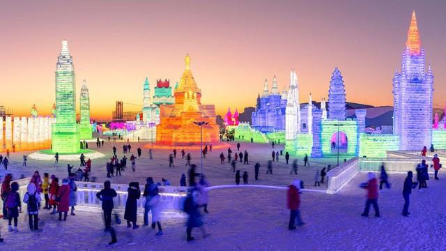 Trải nghiệm cảm giác lạnh buốt răng tại lễ hội băng lớn nhất thế giới ở Trung Quốc - Ảnh 5.