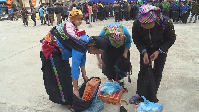 Trao tặng 1.500 phần quà cho người nghèo tại Hà Giang - Ảnh 5.