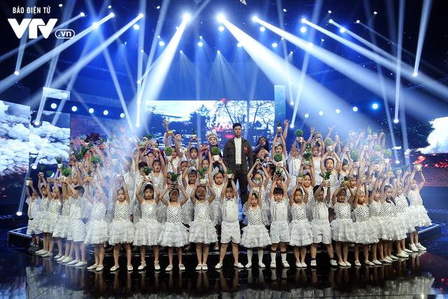 Đón Tết cùng VTV: Trọng Hiếu tham gia cùng hàng trăm vũ công và giọng ca nhí - Ảnh 4.