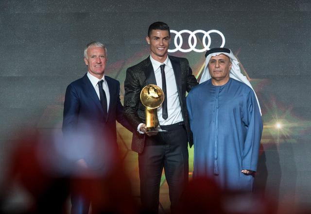 Cristiano Ronaldo lần thứ 5 nhận giải thưởng Globe Soccer - Ảnh 1.