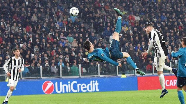 Cristiano Ronaldo lần thứ 5 nhận giải thưởng Globe Soccer - Ảnh 2.