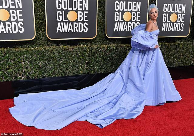 Lady Gaga diện váy lọ lem, nổi bật trên thảm đỏ Quả cầu vàng 2019 - Ảnh 1.