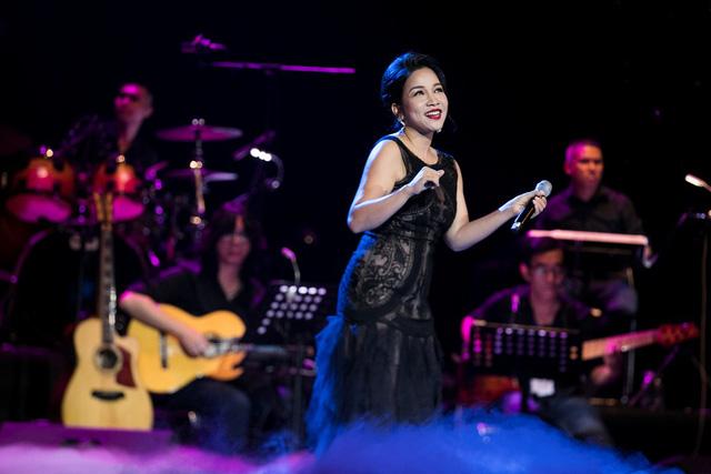 Bằng Kiều cùng Hồng Nhung biểu diễn xuất thần trong đêm nhạc Dương Thụ - Ảnh 3.