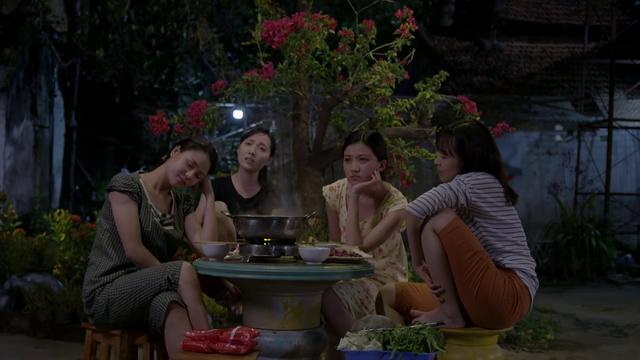 Những cô gái trong thành phố - Tập 7: Trúc khoe giọng hát cực ngọt khiến ai cũng rưng rưng - Ảnh 1.