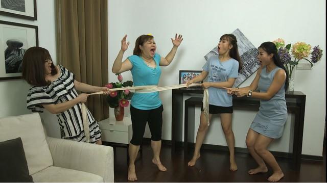 """Phim Gia đình 4.0: Cô Eo Chang Hy gần """" tắc thở"""" vì cuộc thi hoa khôi - Ảnh 2."""