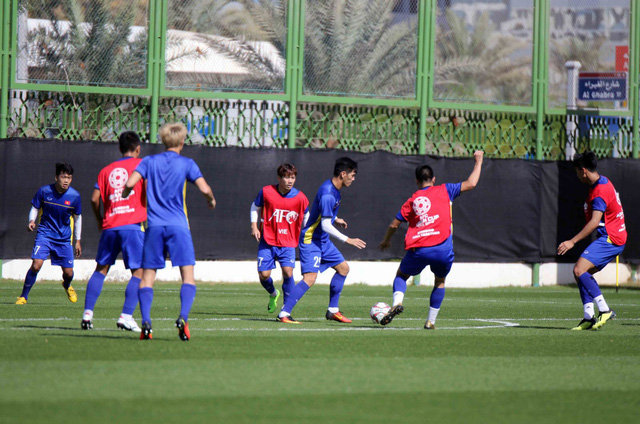 ĐT Việt Nam trở lại sân tập để chuẩn bị cho trận đấu với Iran - Ảnh 1.