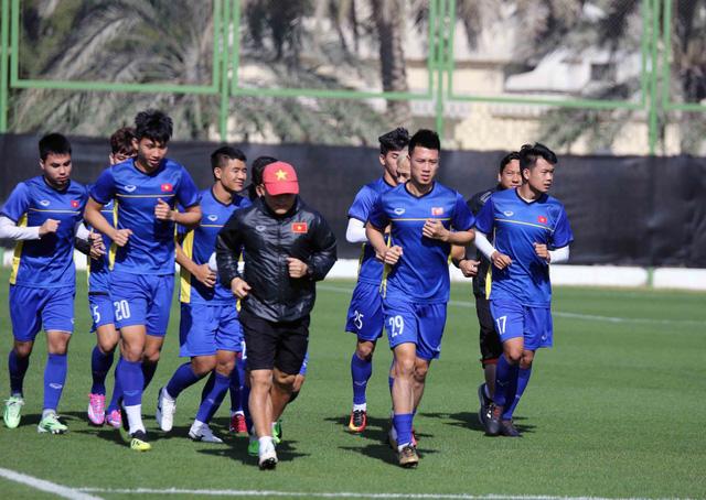 ĐT Việt Nam trở lại sân tập để chuẩn bị cho trận đấu với Iran - Ảnh 4.