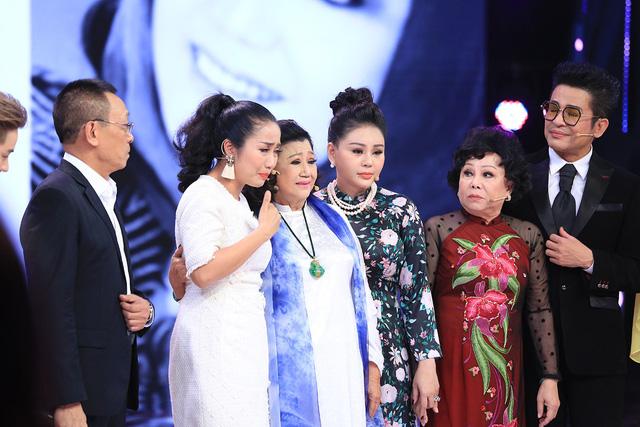 NSND Kim Cương tái xuất khiến loạt sao Ký ức vui vẻ khóc - Ảnh 4.