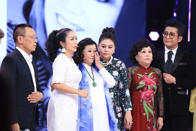 NSND Kim Cương tái xuất khiến loạt sao Ký ức vui vẻ khóc - Ảnh 3.