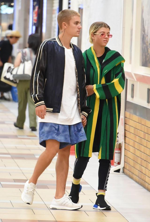 Nhìn lại cuộc tình sóng gió của cặp bạn thân Justin Bieber và Hailey Baldwin - Ảnh 10.