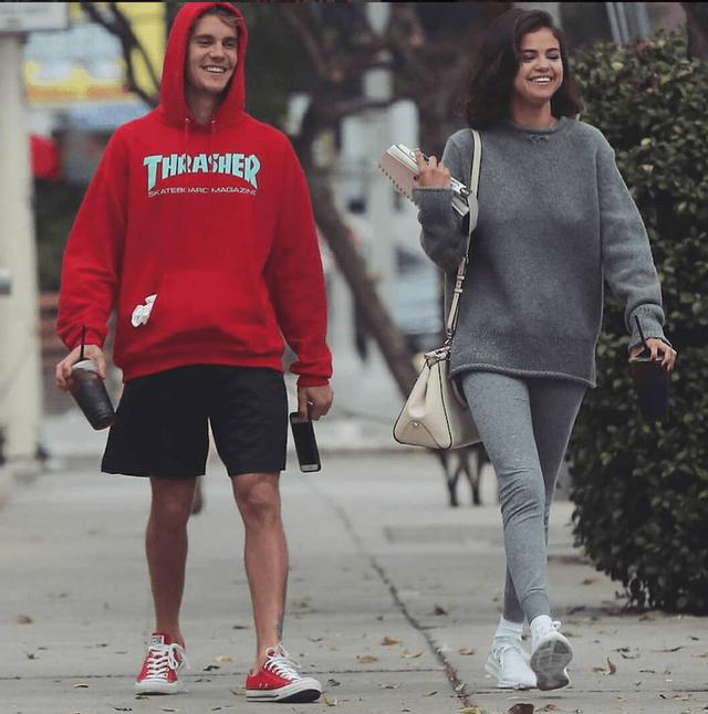 Nhìn lại cuộc tình sóng gió của cặp bạn thân Justin Bieber và Hailey Baldwin - Ảnh 11.