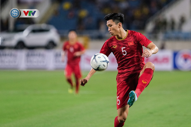 ẢNH: Khoảnh khắc thiên tài của Quang Hải giúp ĐT Việt Nam thắng ĐT Malaysia - Ảnh 4.