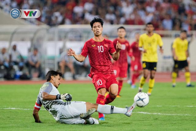 ẢNH: Khoảnh khắc thiên tài của Quang Hải giúp ĐT Việt Nam thắng ĐT Malaysia - Ảnh 5.