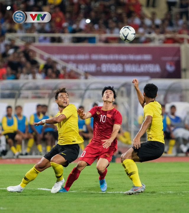 ẢNH: Khoảnh khắc thiên tài của Quang Hải giúp ĐT Việt Nam thắng ĐT Malaysia - Ảnh 15.
