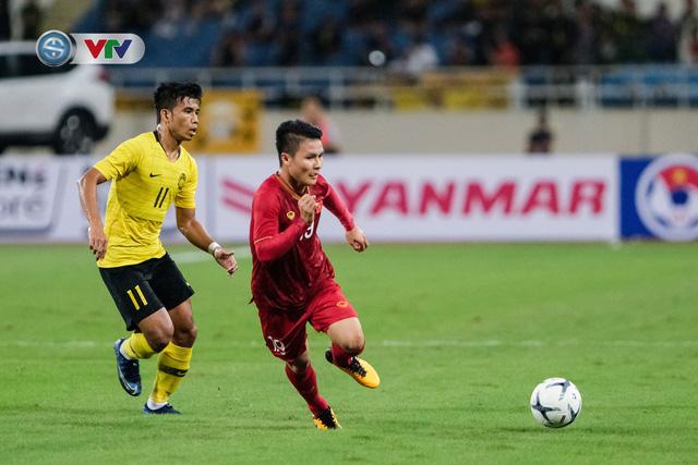 ẢNH: Khoảnh khắc thiên tài của Quang Hải giúp ĐT Việt Nam thắng ĐT Malaysia - Ảnh 6.