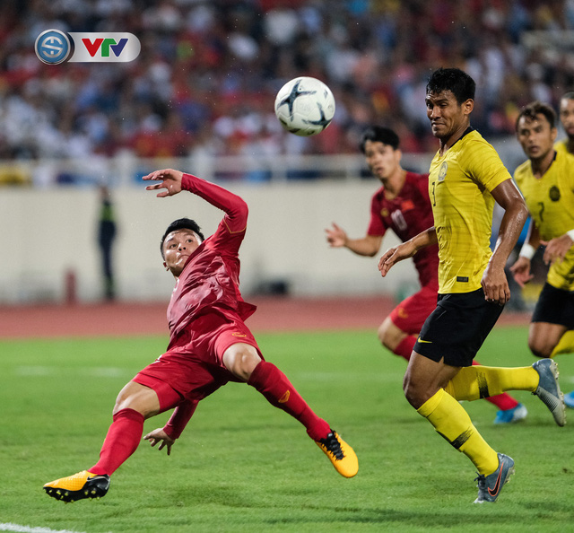ẢNH: Khoảnh khắc thiên tài của Quang Hải giúp ĐT Việt Nam thắng ĐT Malaysia - Ảnh 8.
