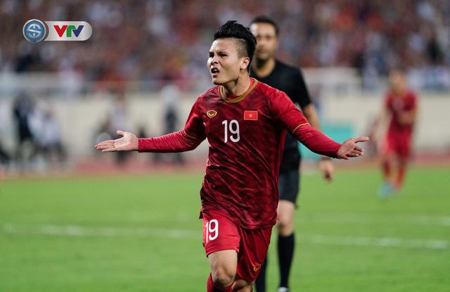 ẢNH: Khoảnh khắc thiên tài của Quang Hải giúp ĐT Việt Nam thắng ĐT Malaysia - Ảnh 10.