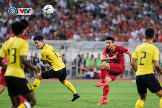 ẢNH: Khoảnh khắc thiên tài của Quang Hải giúp ĐT Việt Nam thắng ĐT Malaysia - Ảnh 7.