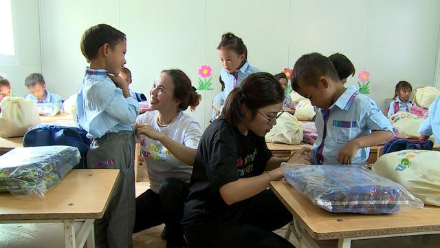 Quỹ Tấm lòng Việt tiếp bước đến trường cho học trò nghèo vượt khó tỉnh Bắc Kạn - Ảnh 7.