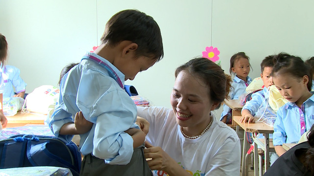 Quỹ Tấm lòng Việt tiếp bước đến trường cho học trò nghèo vượt khó tỉnh Bắc Kạn - Ảnh 6.
