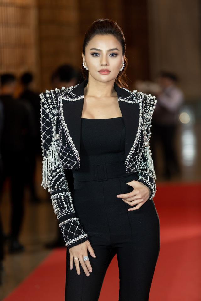 Cô gái Nghệ An chiến thắng tập 2 Tôi là Hoa hậu Hoàn vũ Việt Nam 2019 - Ảnh 24.