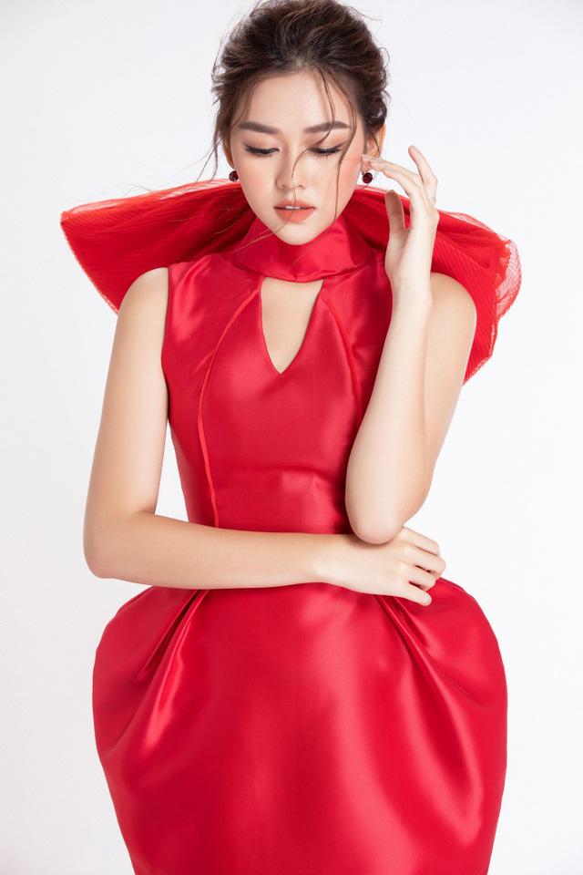 """Trước thềm Miss International 2019, Á hậu Tường San lại """"ghi điểm"""" với pha """"biến hình"""" này - Ảnh 8."""
