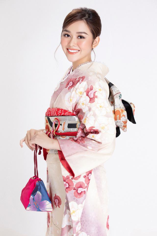 """Trước thềm Miss International 2019, Á hậu Tường San lại """"ghi điểm"""" với pha """"biến hình"""" này - Ảnh 3."""